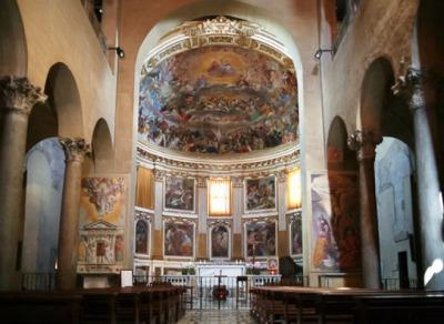 クアトロコロナーティ教会