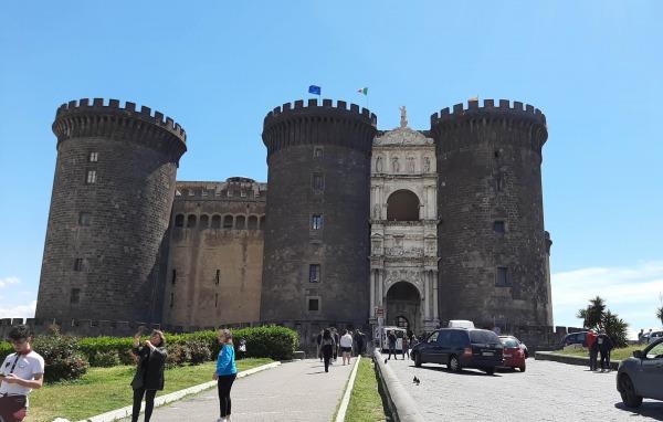 イタリアナポリ(ローマから日帰り電車一本の旅)