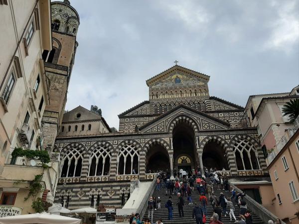 ローマから2泊3日でカプリ島・ソレント・ポジーターノ・ナポリを回る欲張りの旅!アマルフィ大聖堂
