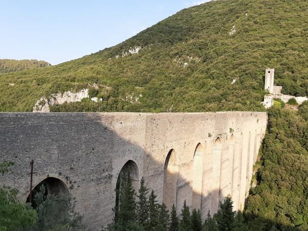 スポレートイタリア(ローマから日帰り電車一本の旅)